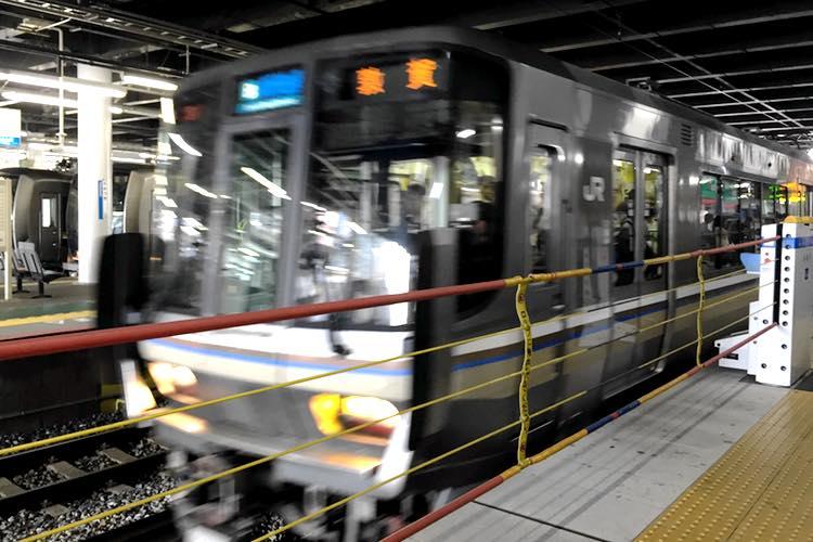 【08:00】高槻駅