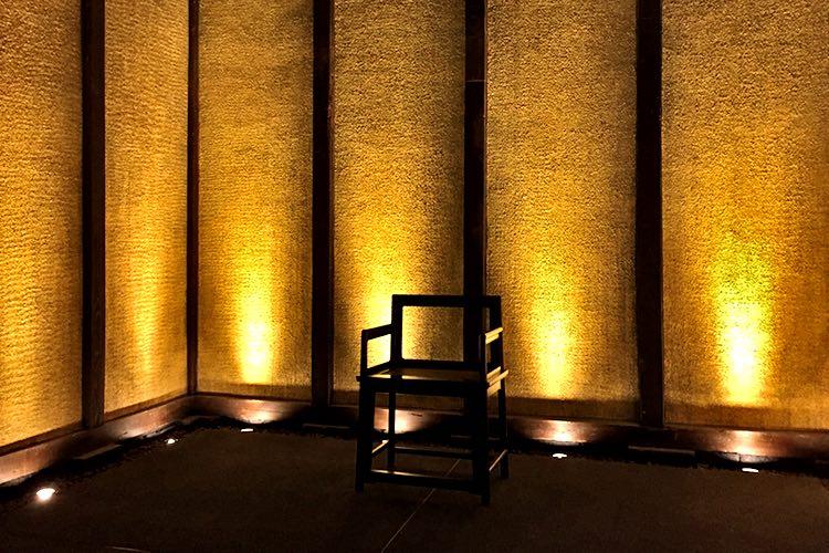 【15:20】ひがし茶屋街 金箔を貼り巡らせた蔵「金の蔵」