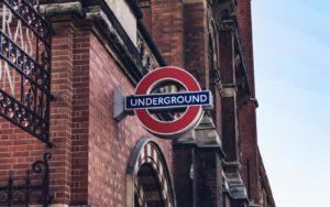 エドワード・ジョンストン ロンドンの地下鉄 シンボルマーク